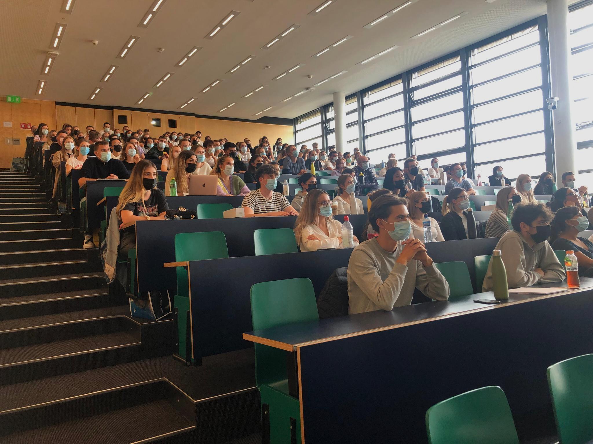 Herzlich Willkommen: 230 Studierende starten im BSc Business Psychology!