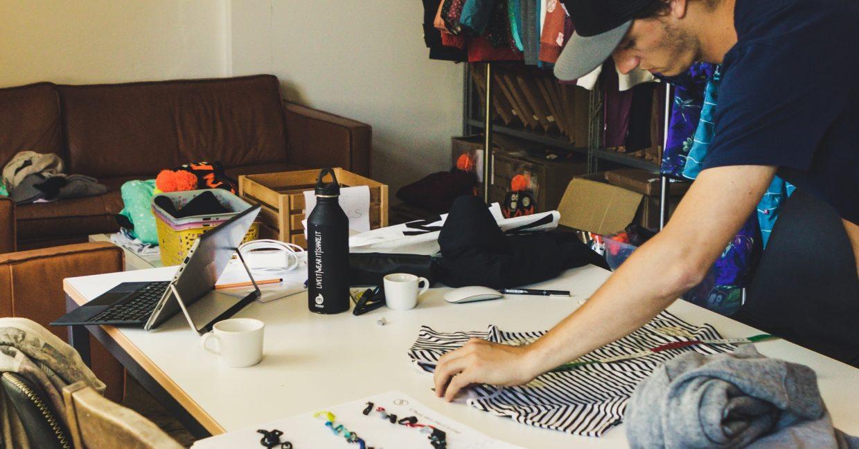 Klasse statt Masse: Wie das Ruswiler Startup Whatever Man den Fashion-Markt erobert